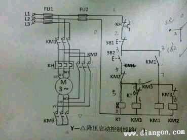 也就是说;当电机星形启动时,绕组电压少于工作电压的1.732倍.