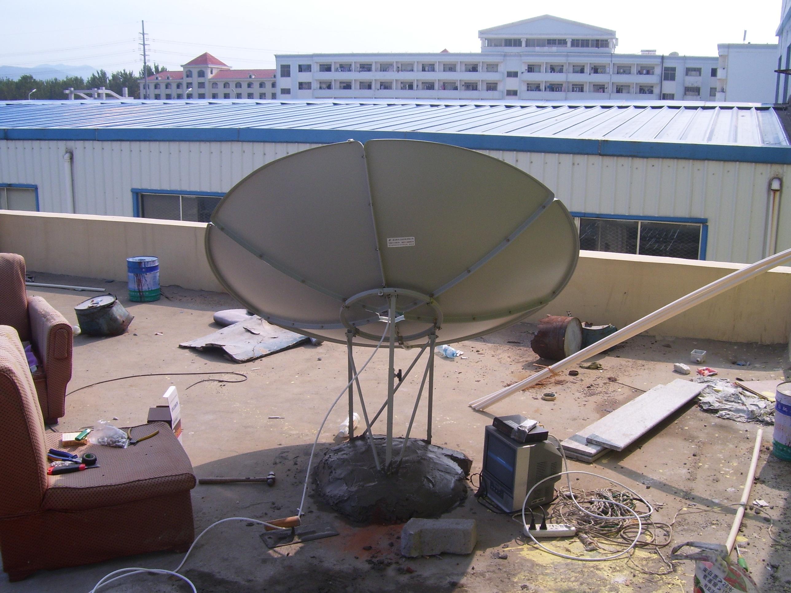 大锅卫星电视接收器安装方法