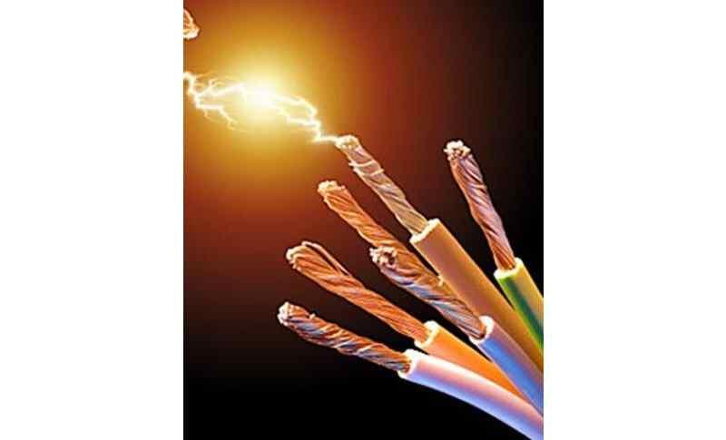 家里用的220伏电压是叫两相电?还是叫单相电?