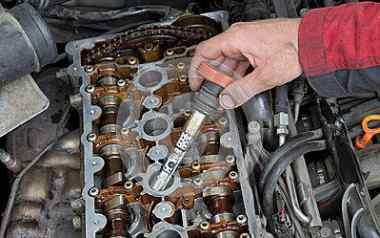 汽车发动机火花塞多久换一次?点火线圈的寿命是多长时间?