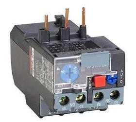 热继电器安装位置