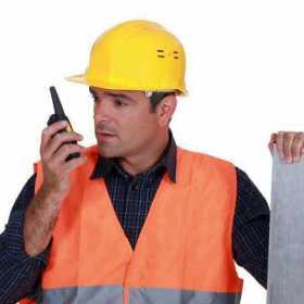 对讲机最大通话传输距离是多远?购买对讲机/无线电设备注意事项