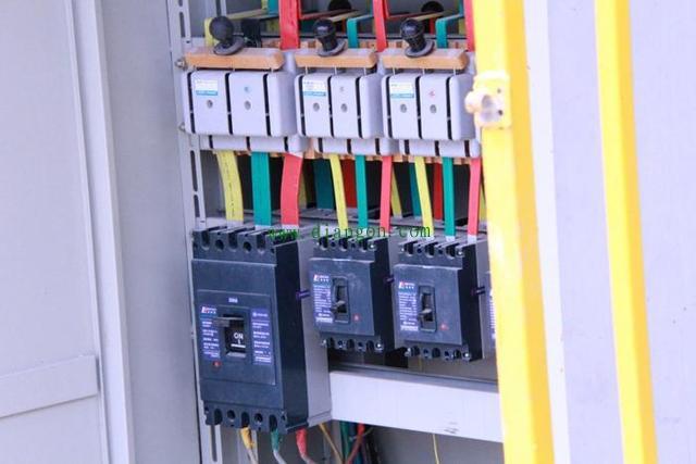 施工现场配电箱的注意事项 - 电力配电知识 电工论坛