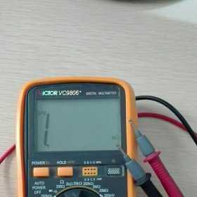 数字万用表测量三相交流电压注意事项