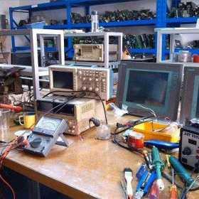 在工控行业学变频器维修好还是PLC编程好!