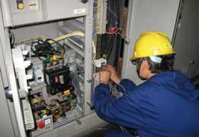 电工职业中三个让自己名利双收的人 缺一不可