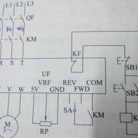变频器控制三相异步交流电动机正反转工作过程详解