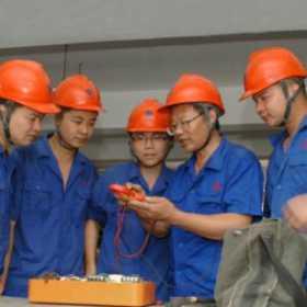 老电工的技术大多来源于经验的积累