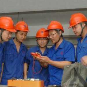 电工荒的背后到底是什么原因?工厂招个专业电工为何就这么难?