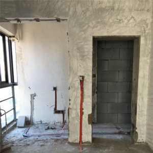 家装水电改完墙上开的槽子用石膏封好还是水泥封好