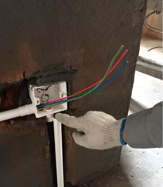 家庭装修电工布线电路实图解