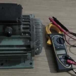 如何判断空载运行电流差是电源电压引起的还是电动机自身引起的?