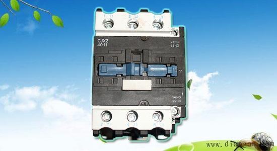 交流接触器作为潜水泵遥控器的重要组成部分,它主要用作潜水泵的开断和控制电路,但是它经常出现触头接触不牢靠的现象,这是什么原因造成的呢?又该如何解决呢?