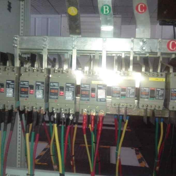 老电工改造旧配电柜加装电流互感器问题总结