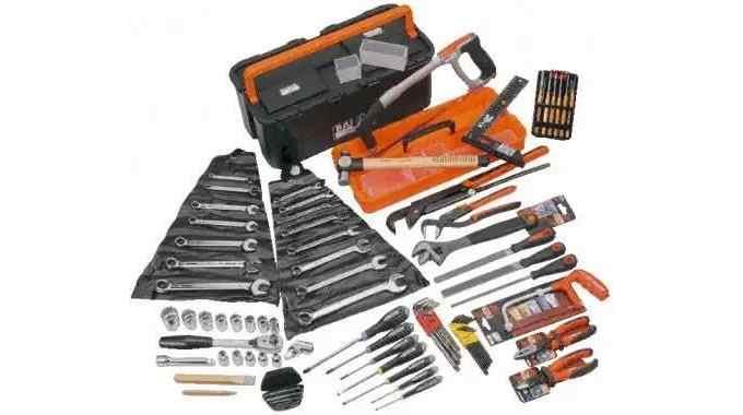 电工常用手动工具操作规范和使用技巧 看了受益匪浅!