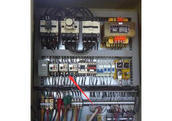 热保护继电器动作原因分析
