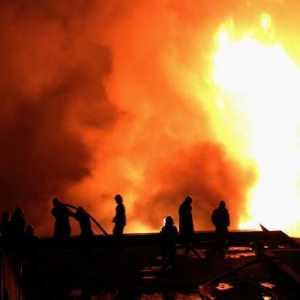 电工须知:发生电气火灾怎么办?电气防火措施和电气灭火注意事项