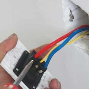 插座零线火线怎么接线?接反了会有什么后果?