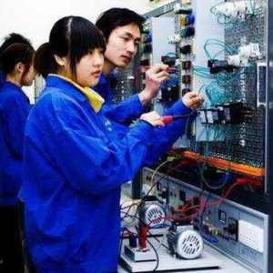 现在为什么做电工工资很低还危险,但还有很多人想做电工?